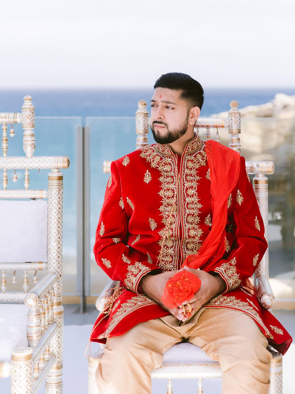 Groom portrait at Hindu Wedding by Portugal Wedding Photographer