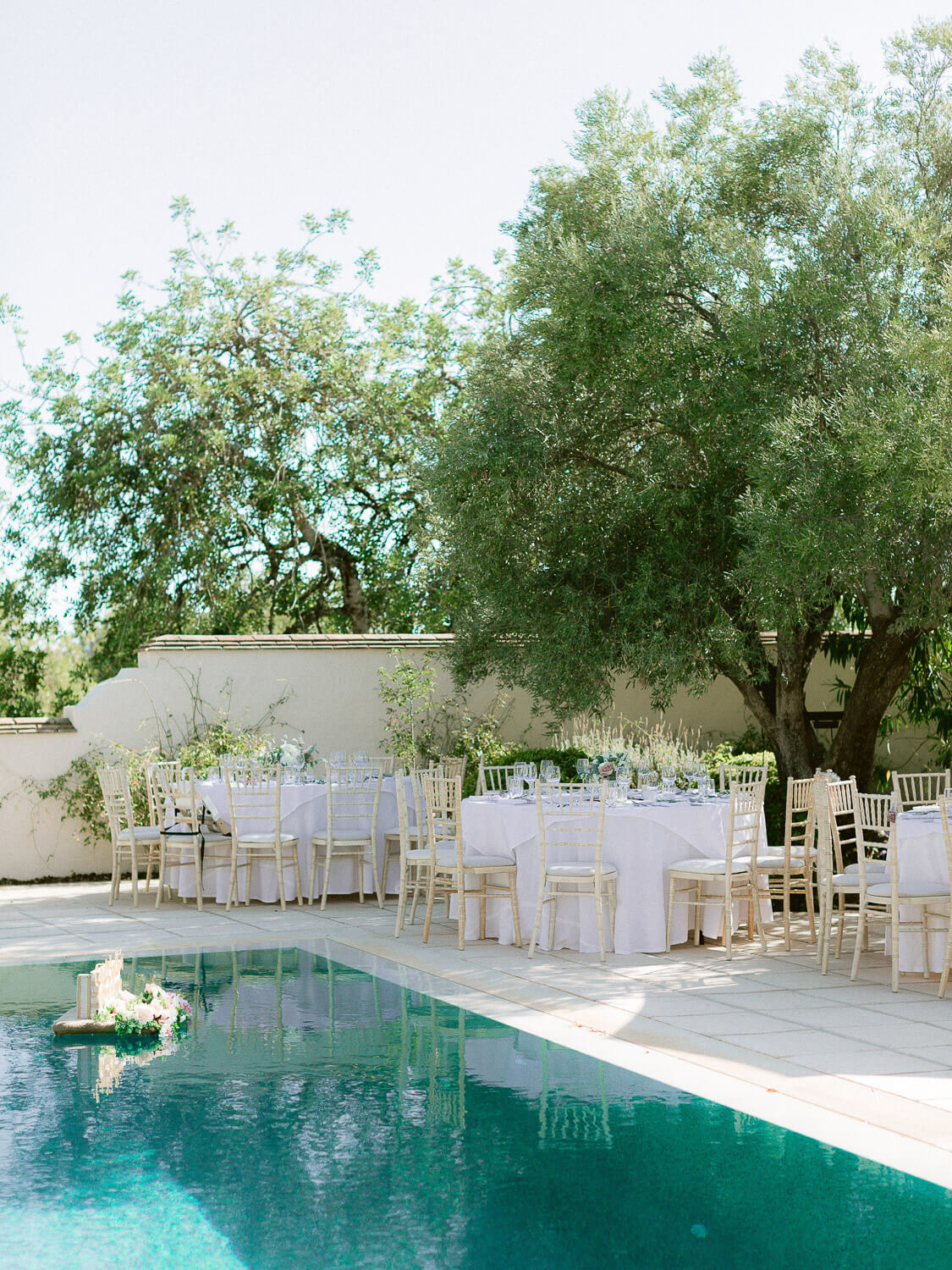 outdoor reception setting in the Algarve by Portugal Wedding Photographer