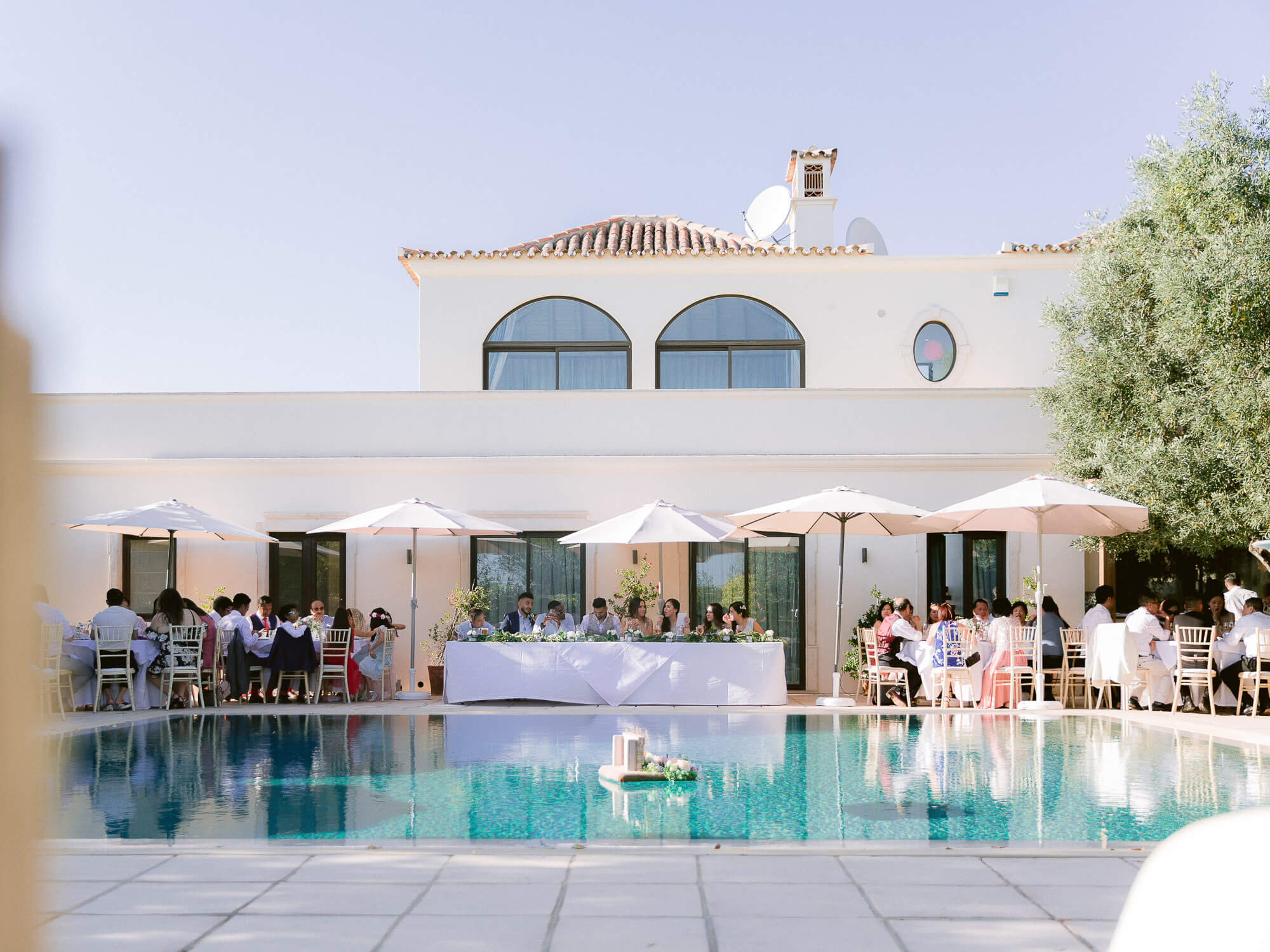 outdoor reception overview at a destination wedding in the Algarve by Portugal Wedding Photographer