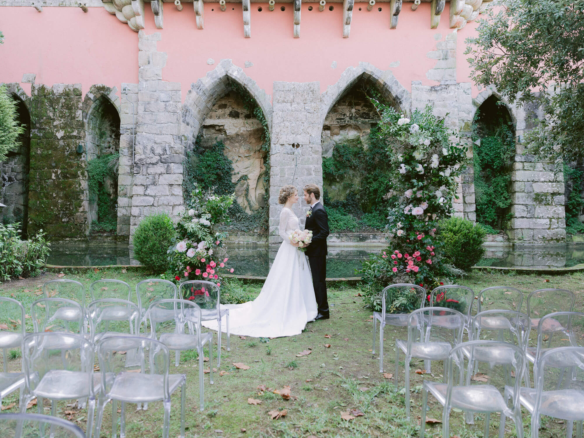 wedding ceremony setting in Casa dos Penedos Sintra by Portugal Wedding Photographer