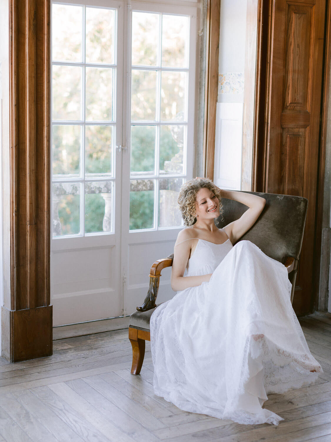 beautiful bride relaxing before wedding by Portugal Wedding Photographer