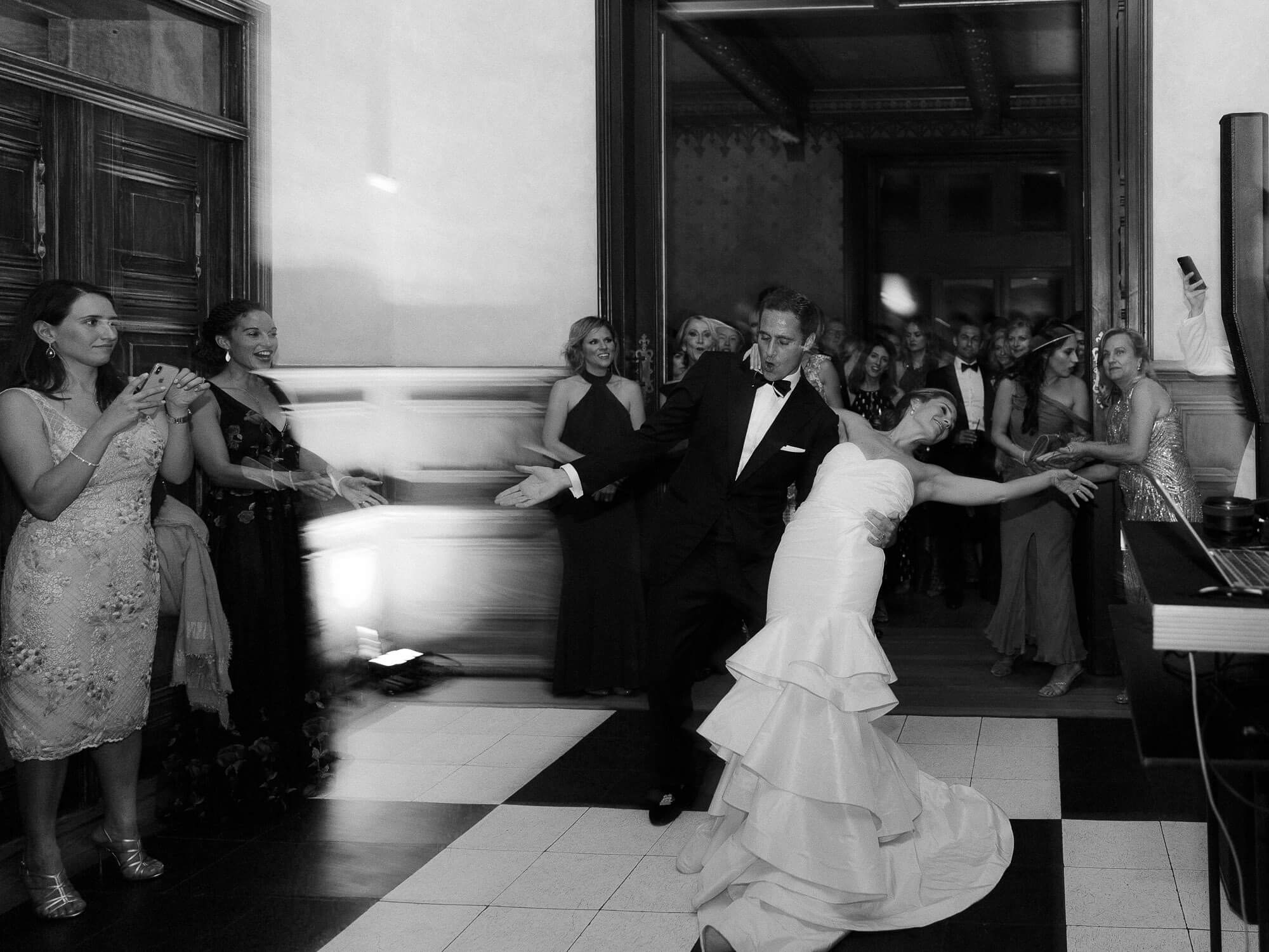 bride and groom dazzling first dance moves by Portugal Wedding Photographer