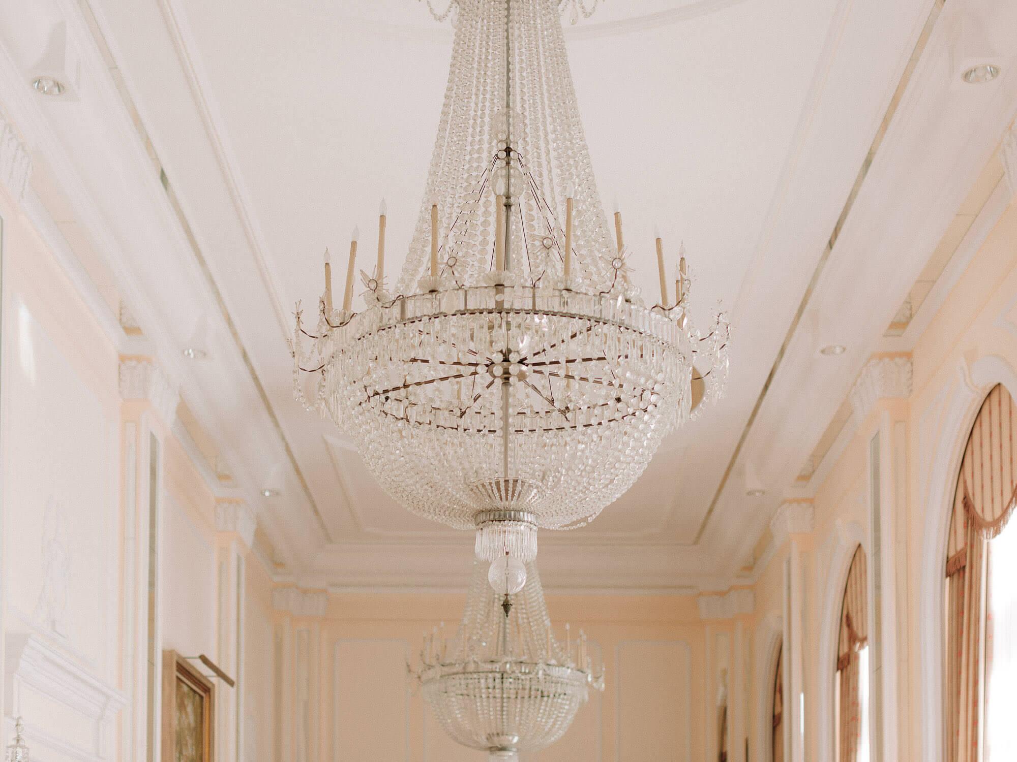cristal chandelier in Hotel Palacio Estoril by Portugal Wedding Photographer