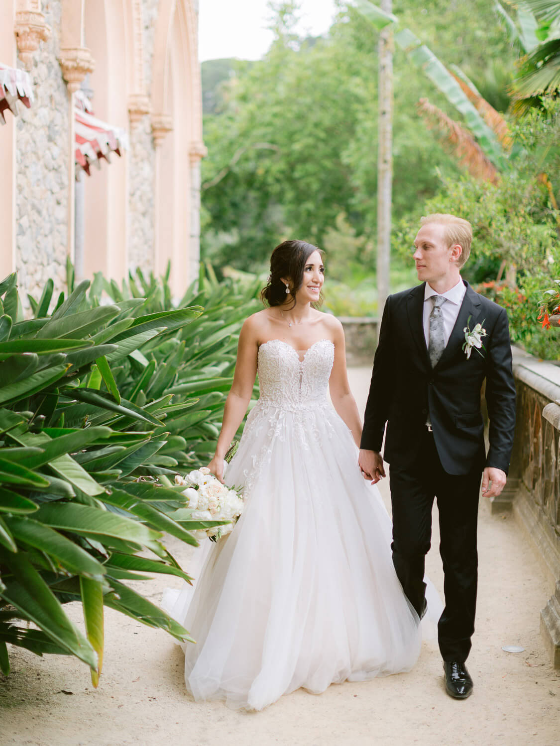 Bride and Groom stroll in Monserrate Palace by Portugal Wedding Photographer