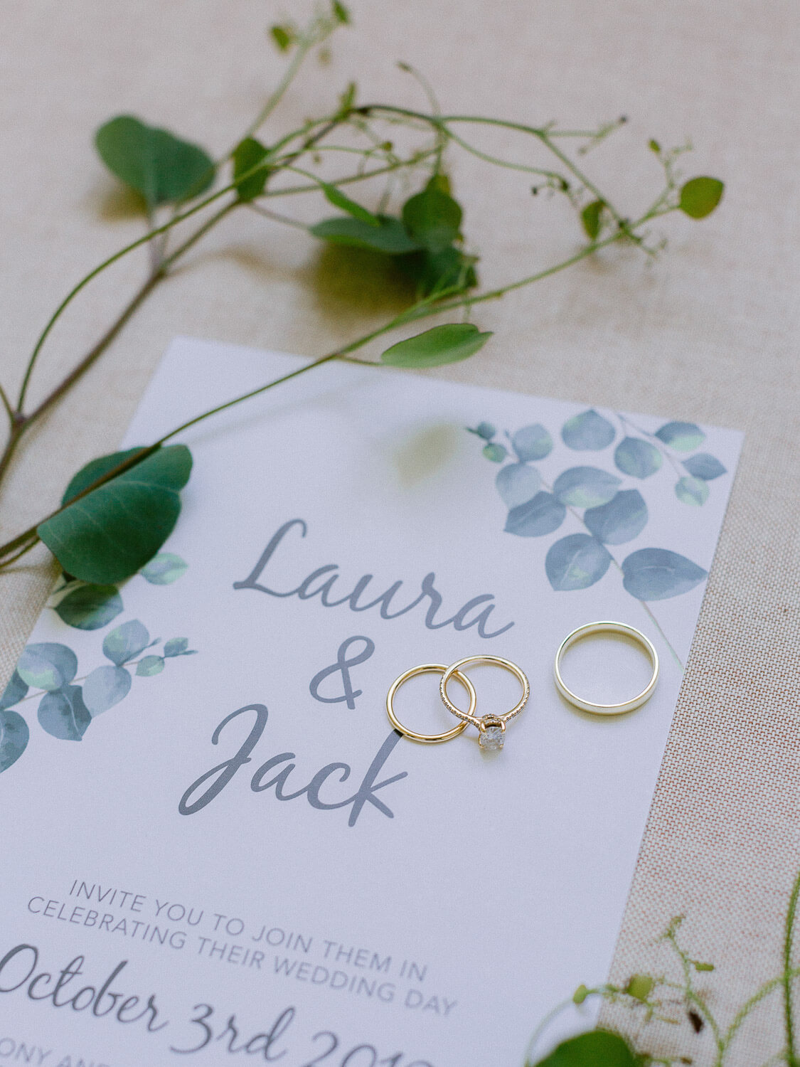 illustrated wedding invitation and wedding bands by Portugal Wedding Photographer