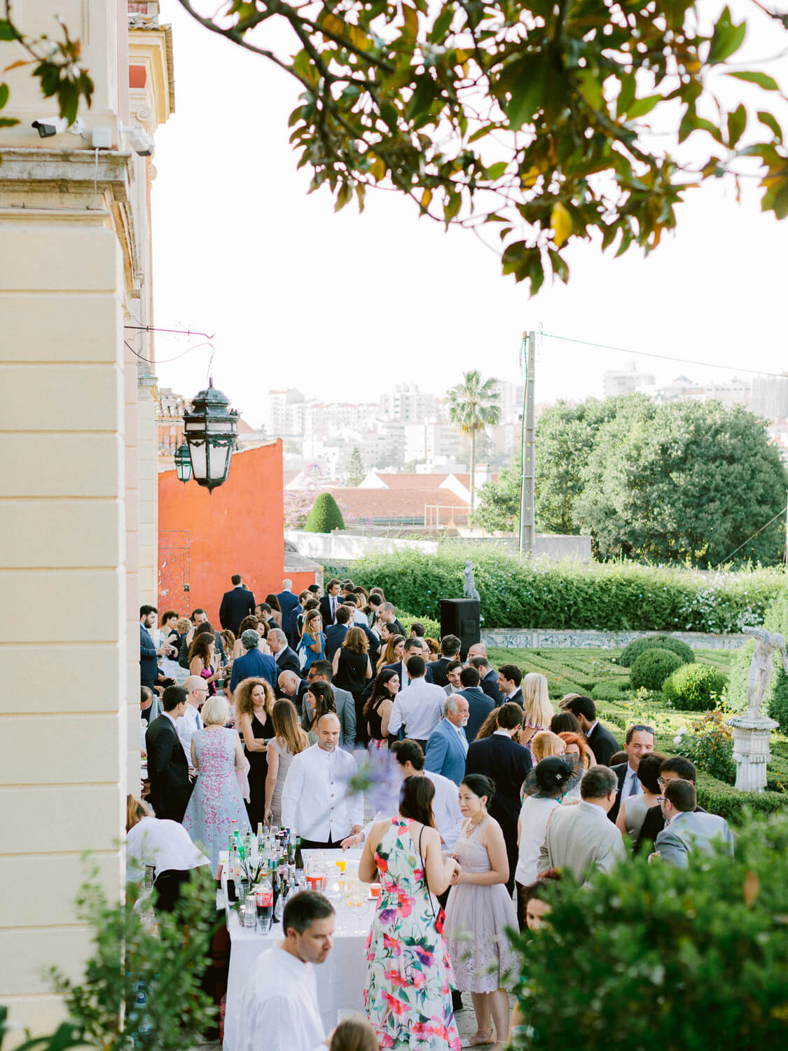 outdoor wedding cocktail in Marques de Fronteira Palace's gardens by Portugal Wedding Photographer