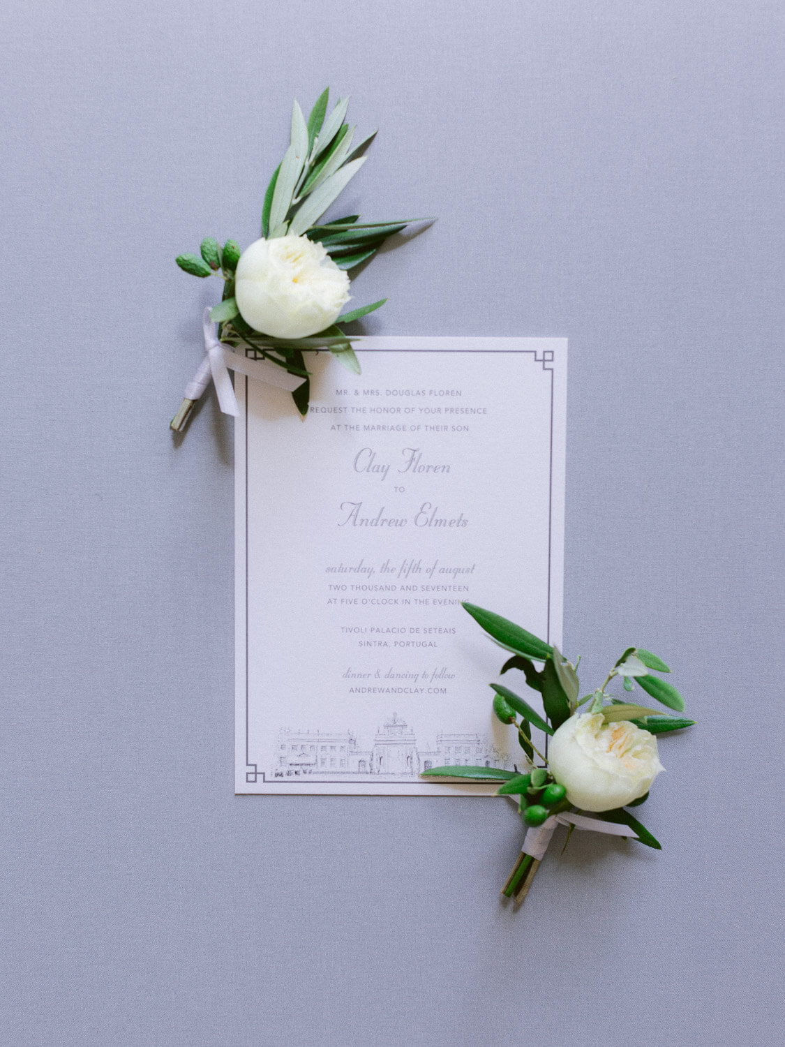 wedding boutonnières and wedding invitation by Portugal Wedding Photographer